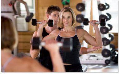 Personal Trainer training a girl